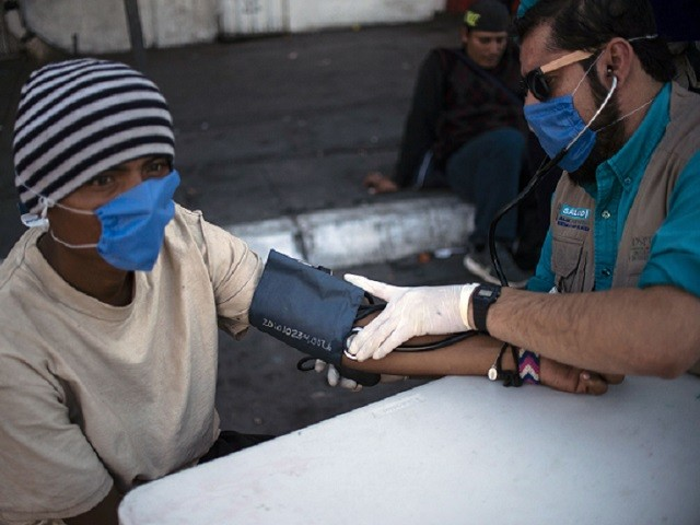 Some Caravan Migrants Have HIV/AIDS and TB, Say Mexican Authorities