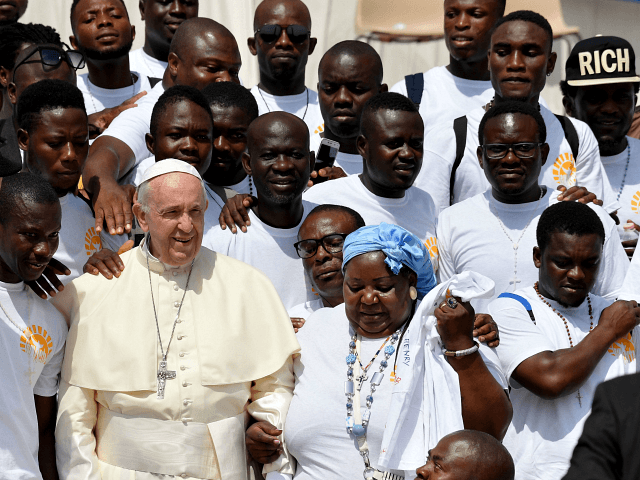 Pope Francis Decries Politicians Who 'Blame Every Evil on Migrants'
