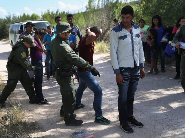 More Than 300 Migrants Surrender to Texas Border Patrol Agents in One Day