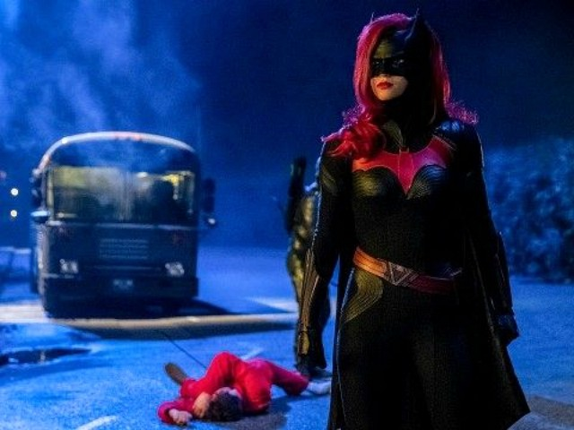 CW Network Debuts Lesbian Batwoman in 'Elseworlds' Episode