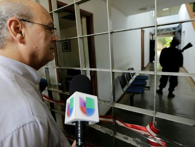 Nicaraguan Police Storm TV Station, Accuse Owners of 'Instigating Hate'