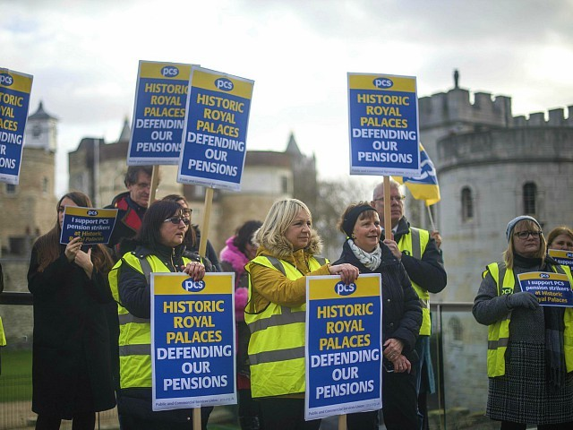 Royal Palace Staff Don Yellow Vests, Strike over Pensions
