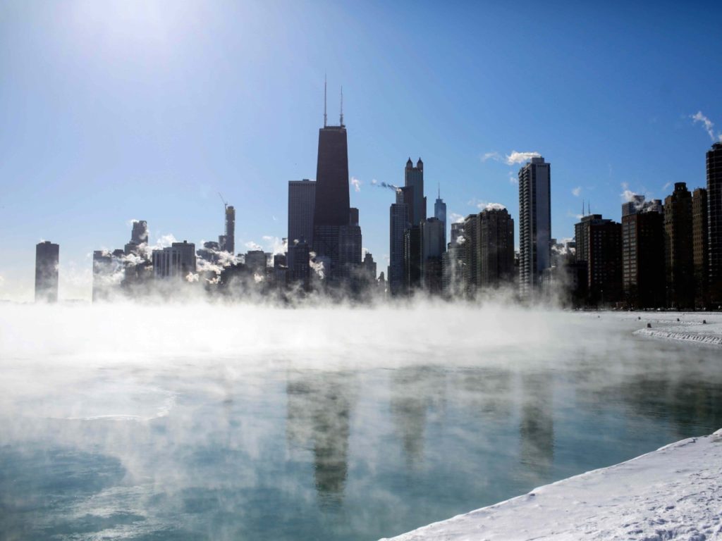 #Chiberia: Chicago Residents Throw Boiling Water, Watch It Freeze