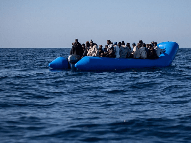 Libya PM: 800,000 Illegal Immigrants Ready to Leave for Europe