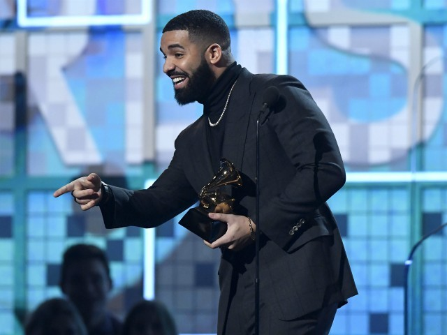 Rapper Drake Mocks the Grammys While On Stage: 'You Don't Need This'