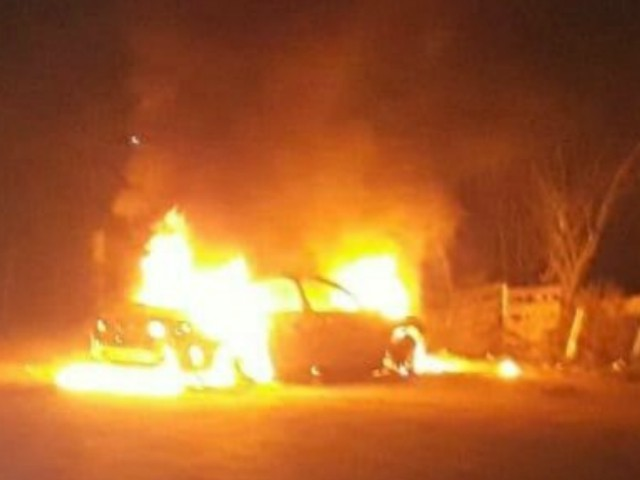 Mexican Cartel Gunmen Torch Car, Victim near Texas Border