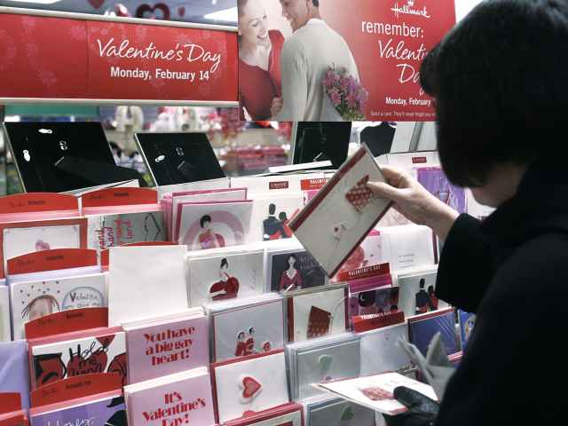 Christian Sues Wisconsin College for Banning Her Jesus-Themed Valentine's Cards