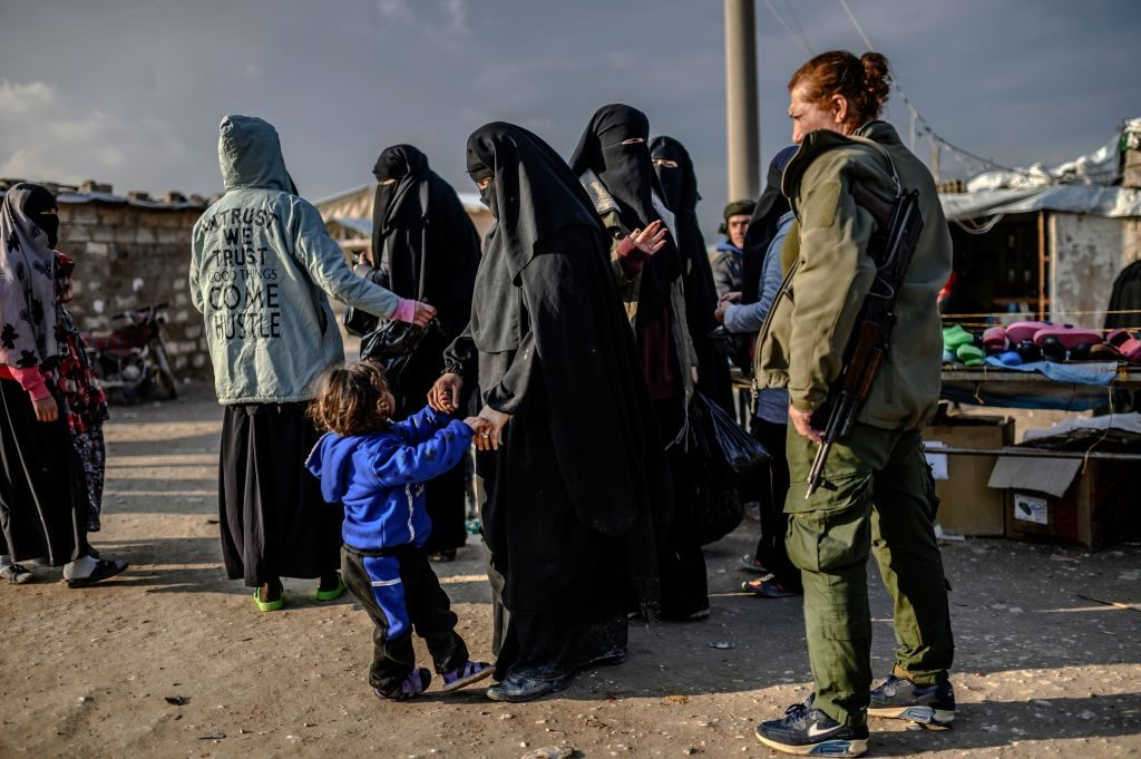 UK Facing ISIS Bride Influx as More Than a Dozen Show Up at Syrian Camps