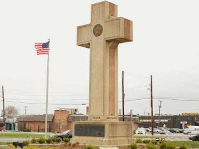 Supreme Court Looks Likely to Allow Peace Cross to Stand