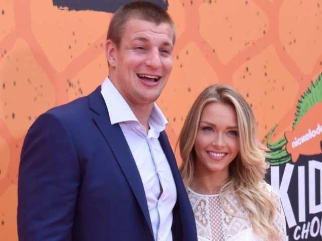 WATCH: Rob Gronkowski and Camille Kostek Party on a Boat in Cabo