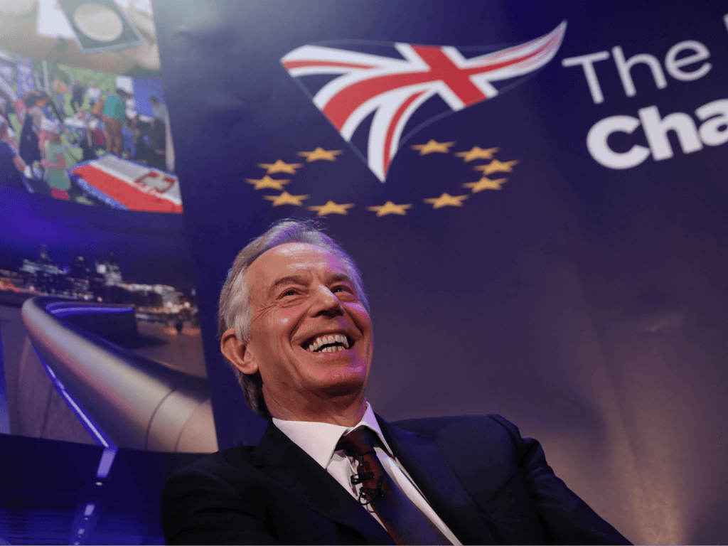 Former Prime Minister Tony Blair 'Secretly Advising' Macron on How to Stop Brexit