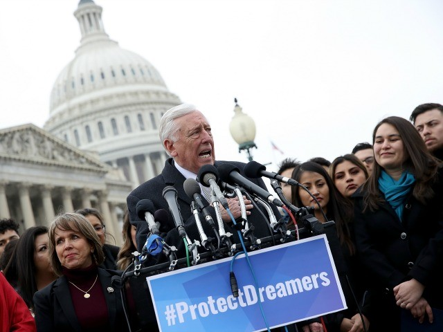 Hoyer: Trump Said He'd Sign Dream Act for 'Exceptional People'