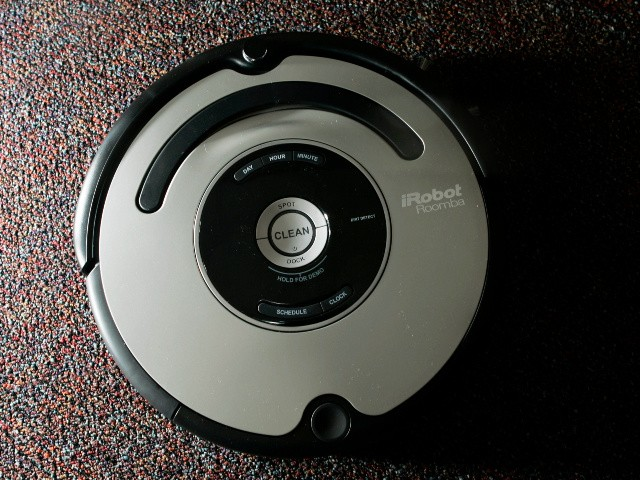 Oregon Deputies Surround Suspected Burglar, Discover It's a Roomba
