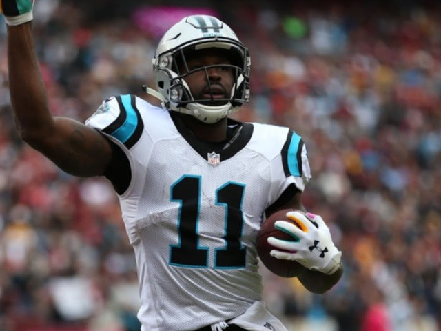 Panthers' Torrey Smith Poses With Dead Hogs After Hunt