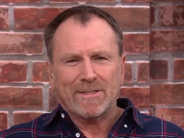 Comedian Colin Quinn Calls on the United States to 'Divorce' Over Division