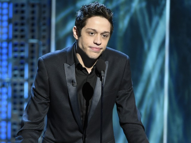 Pete Davidson Leaves Show After Club Owner Jokes About Kate Beckinsale, Ariana Grande on Stage