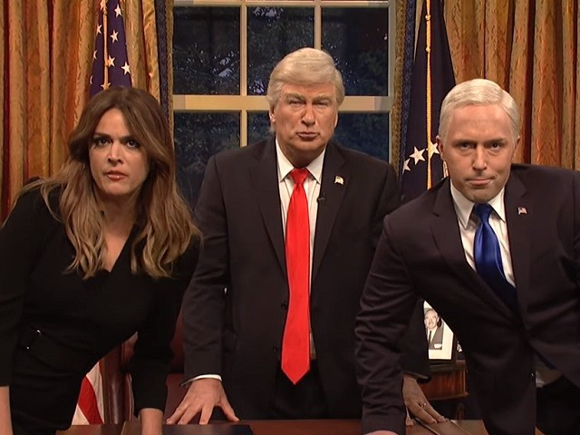 SNL's Donald and Melania Trump, Mike Pence and Sarah Sanders Perform Queen's 'Don't Stop Me Now' in Cold Open