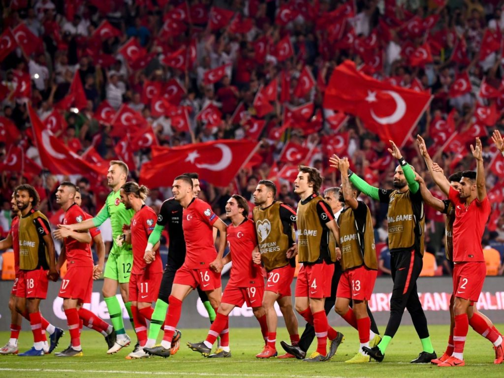 Turkey Enraged by 'Racist' Iceland: Slams Airport 'Disrespect' to Footballers