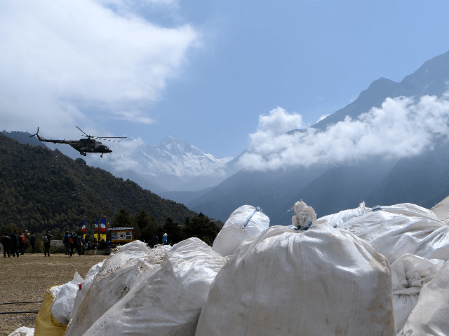 China Demands More Regulation to Stop 'Chaos' on Mount Everest