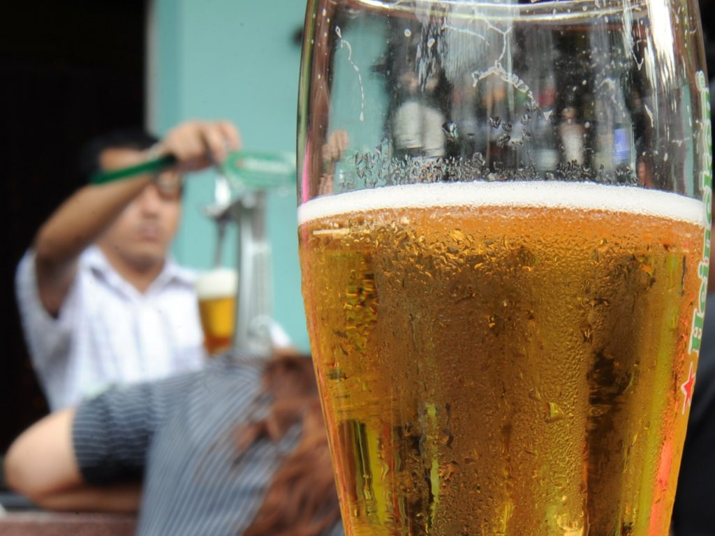 Malaysia Warns Breweries Not to Sell Alcohol-Free Beer as It 'Confuses Muslims'