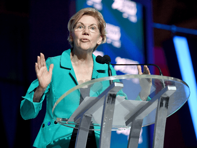 Warren Promises on 'First Day' as President to Set Up Commission to Investigate U.S. Crimes Against Immigrants