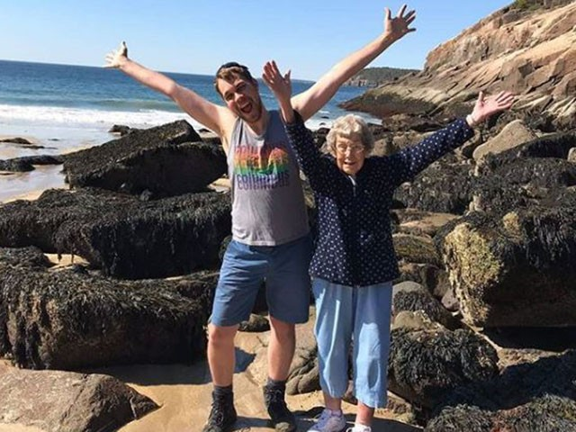 Grandson Takes 89-Year-Old Grandma to See 29 National Parks