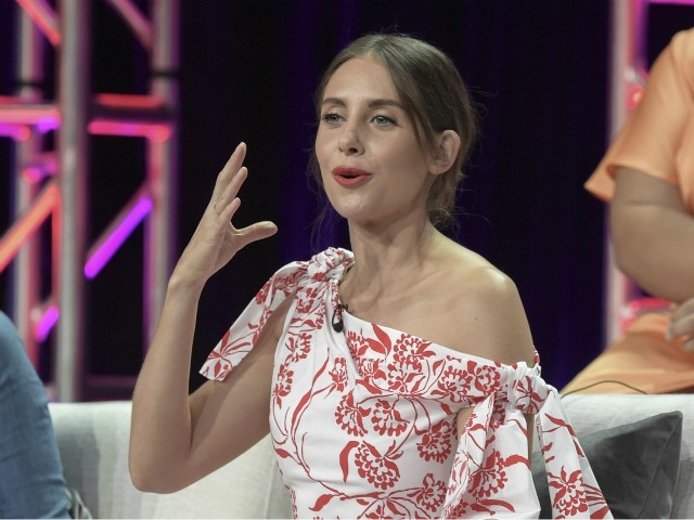 Alison Brie at MTV VMAS: Treatment of Immigrants in U.S. 'Unconstitutional and Frankly Disgusting'
