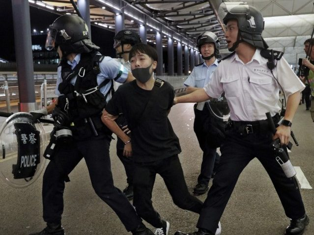 Lawyers: Police Abusing Detained Hong Kong Protesters