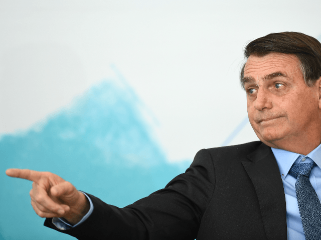 Amazon Fires: Brazil's Bolsonaro Urges Macron to Stop Meddling After He Threatens to Veto Trade Deal