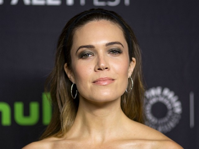 Mandy Moore: Politicians Against Gun Control Are 'Unfit to Represent Us'