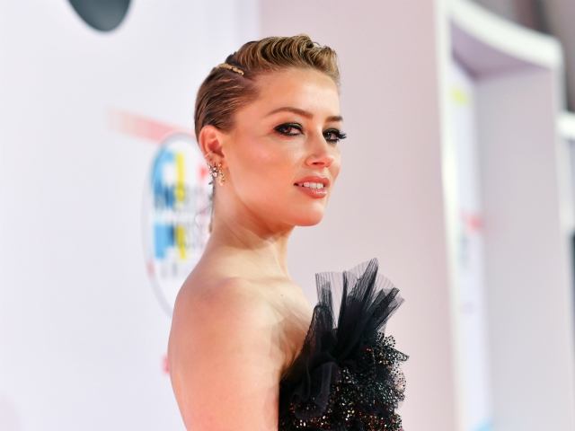Amber Heard Declares 'Planned Parenthood Here for Good': 'My Body. My Choice. Not Yours, Trump'