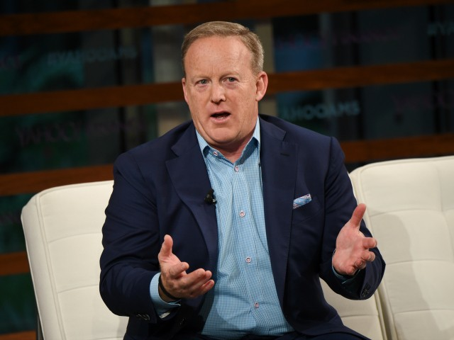 Northeastern Illinois University Students 'Fear' Sean Spicer's Visit to Campus