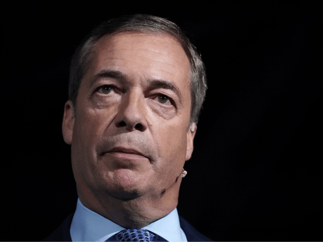 Farage Says Treaty 'Is Not Brexit', Tells Boris to Drop Deal and Agree Election Pact