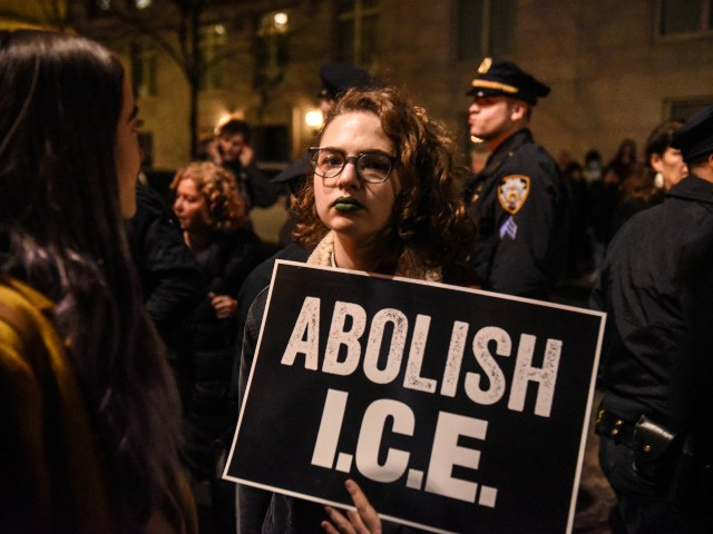Harvard Students Hound Campus Paper for Asking ICE to Comment on Story