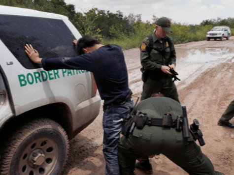 Fugitive Criminal Alien Arrested After Crossing into Texas from Mexico