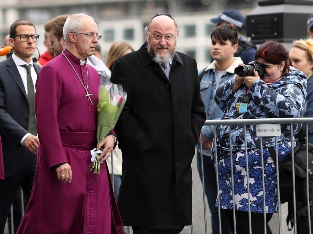 Archbishop of Canterbury Backs Chief Rabbi: Says Britain's Jews in 'Fear'