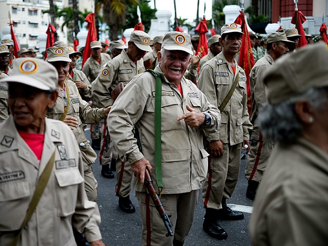 Report: Maduro Arming Thousands of Socialists with Military Weapons