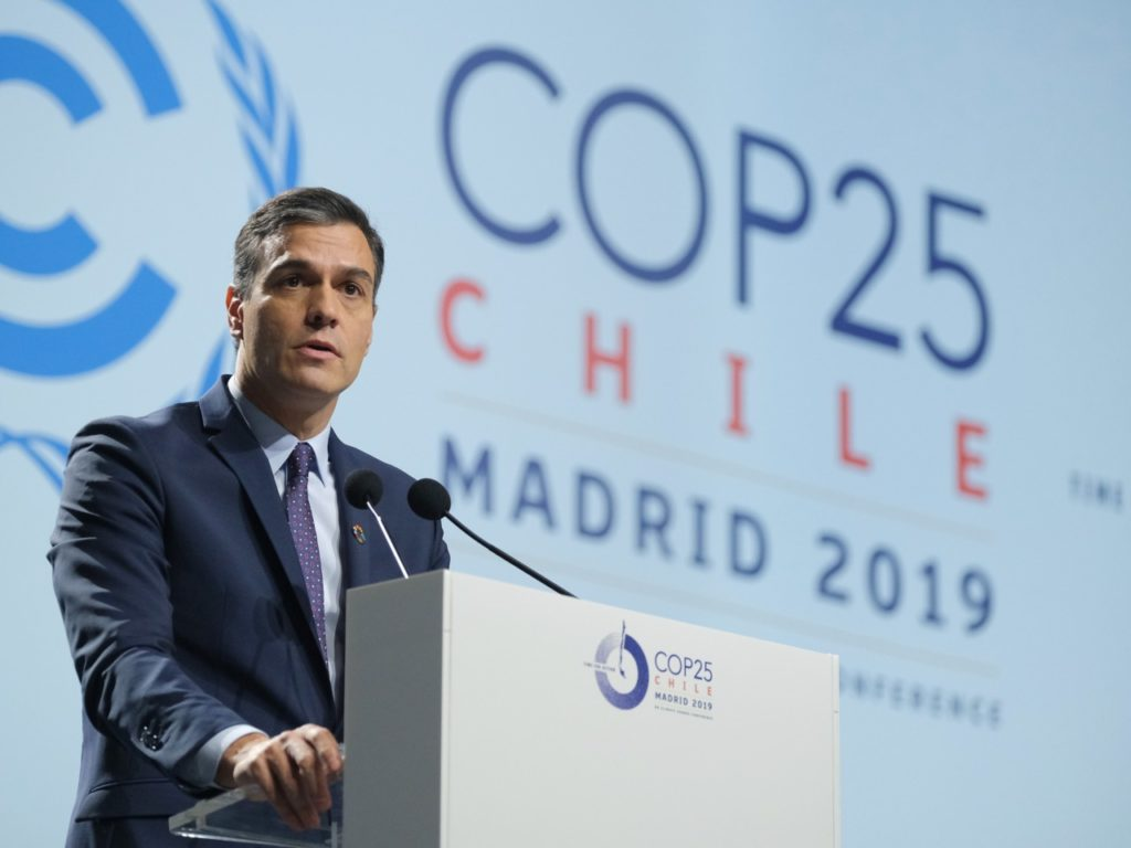Spanish Leader Scolds Climate Change Deniers, Urges 'Fanatics' to Repent